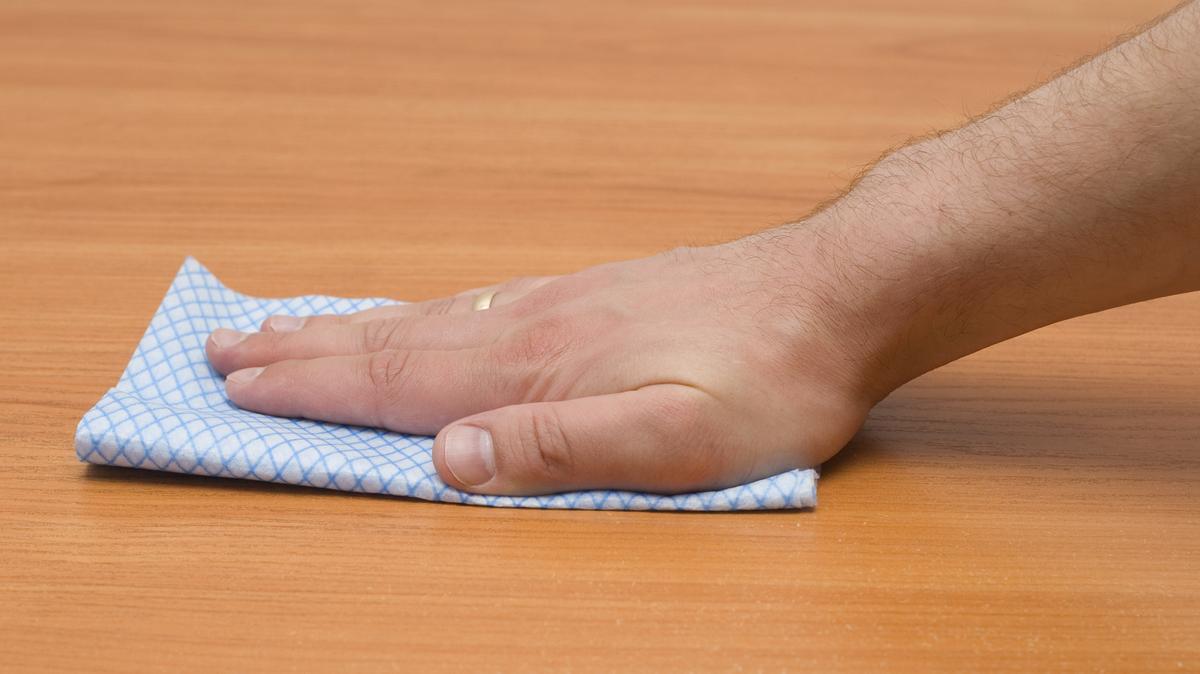 A bútorok ápolásához minőségi tisztítószer szükséges.