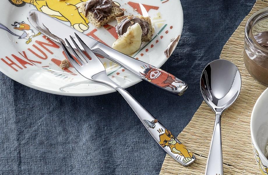 Az éles késeket biztonságosan szükséges tárolni.